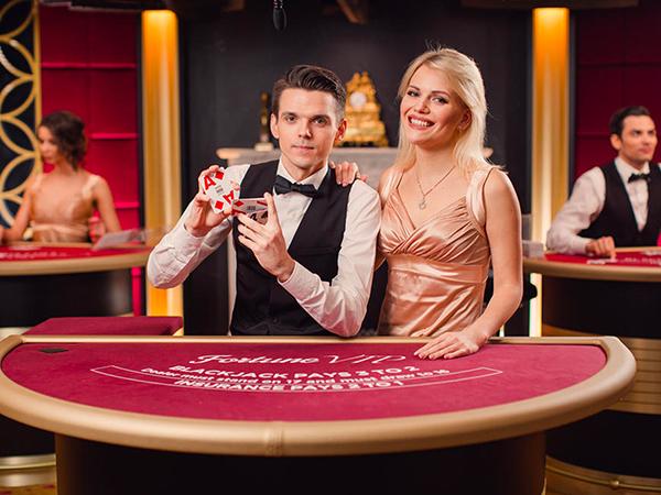 Blackjack: €250 - €5,000